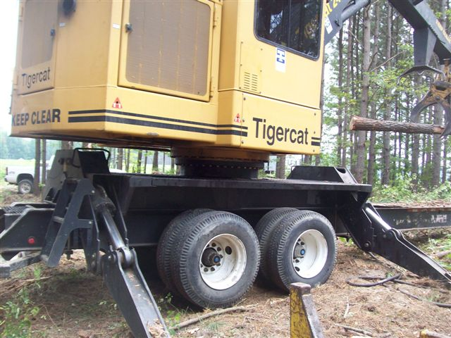 Tigercat 240B Knuckleboom Loader with CSI 264 Delimber for