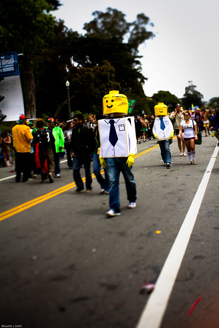 Bay to Breakers 2010: march of the legomen
