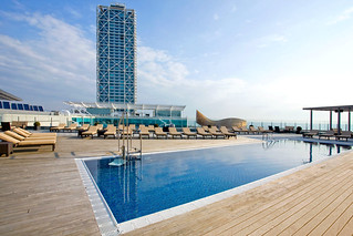 the roof Swimming Pool | by Pullman Barcelona Skipper