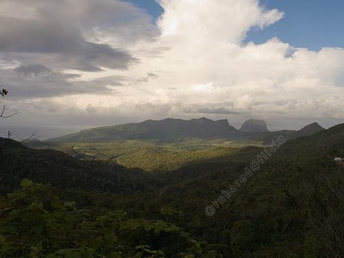 mountain landscape mus mauritius chamarel savanne blackriverpeak pitondelapetiterivierenoire valruche