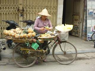 Preparing some more pineapples | by In Vinnie Veritas