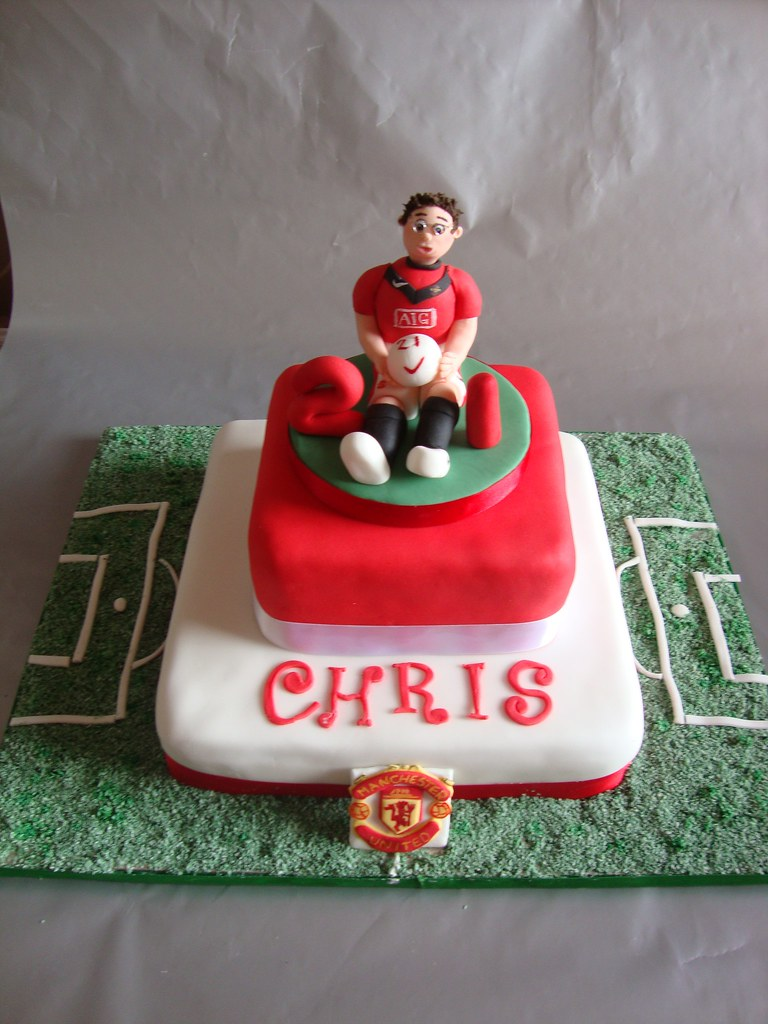 Incredible Man Utd 21St Birthday Cake Manchester United Fooball Fan Flickr Personalised Birthday Cards Petedlily Jamesorg