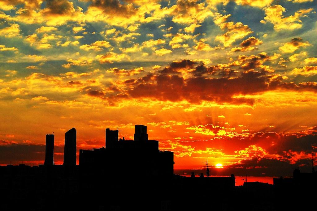 Monday Sunrise Blogging 100906 >> 100906 Amanecer Madrid 31265 Flickriver Com Photos Javier1 Flickr