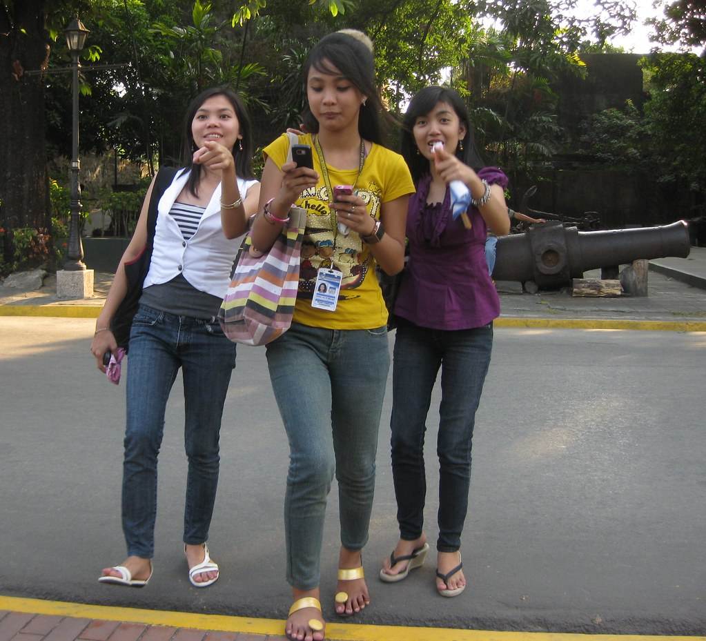 Pictures filipina girls Filipino Brides: