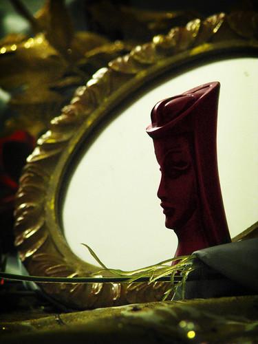 Red Queen's Mirror | by crystalliora ✦ vesper704