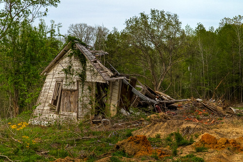 abandoned home rural geotagged spring texas unitedstatesofamerica whitehouse hdr lightroom photomatix tonemapped 5xp 2ev tthdr realistichdr detailsenhancer ©ianaberle geo:lat=3218928 geo:lon=95203256