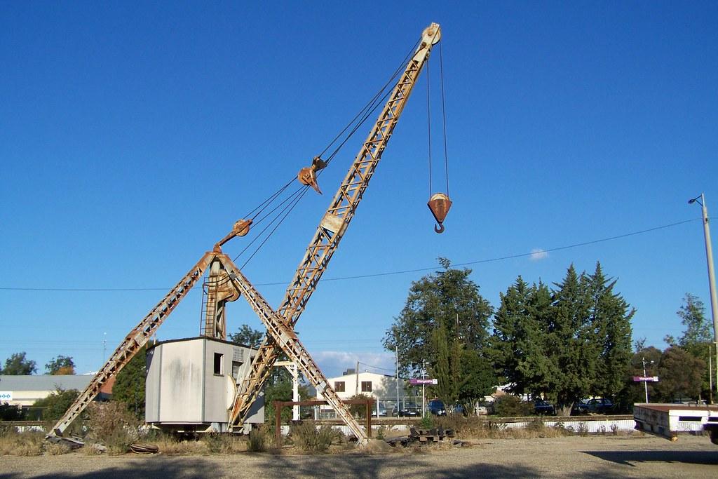 Rail Yard Crane, Disused, Wangaratta, Vic, Aust,  2010 by MurrayJoe