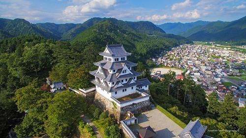 castle japan asia southeastasia hill takayama gifu clearskies gujio gujohachimancastle
