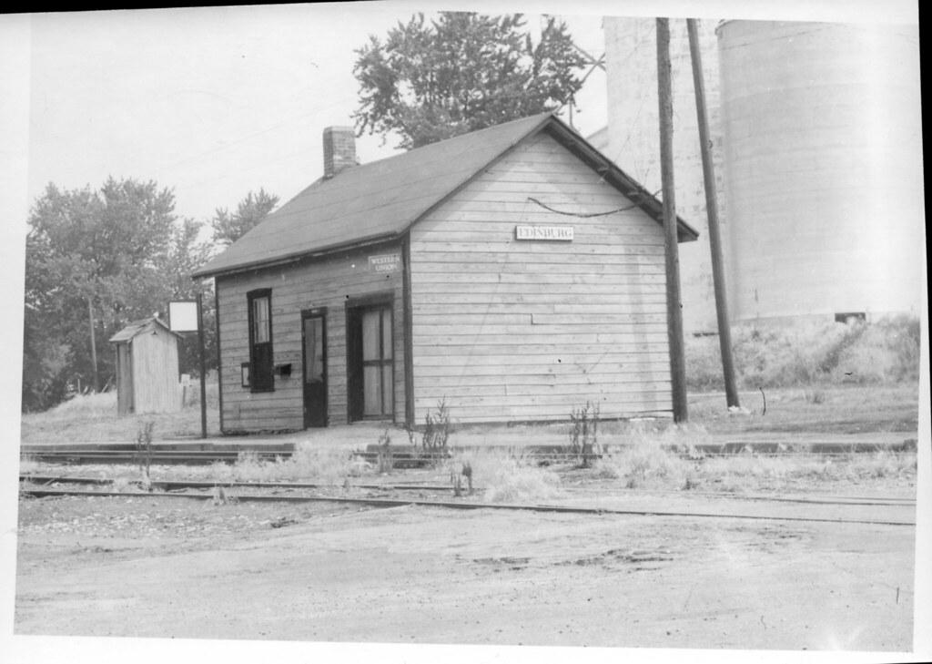 negative 3642 baltimore & ohio rr edinburg ill july 4 1966 002