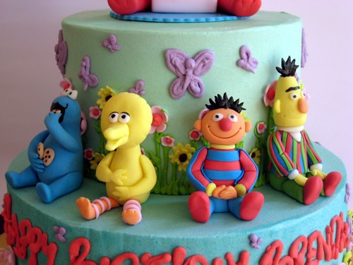 mini sesame street figurines! | my first cake as an independ… | Flickr