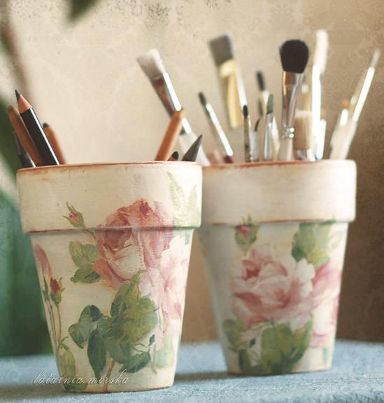 shabby chic roses flowerpots