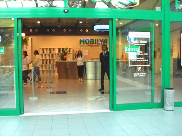 Mobili Mobilia Caserta.Www Mobilya It Mobilya Megastore Qualita Competenza E Conv