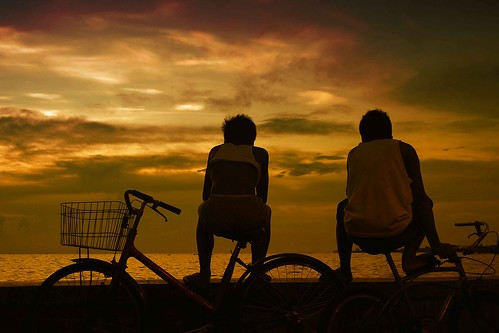 street sunset sea sky water silhouette clouds fun bay philippines bikes potd shore northside indios mateo carrier pinoy bikers photooftheday navotas inspiredbylove thehousekeeper teampilipinas flickristasindios georgemateo ikawaypinoy c4bay mmdabusterminal