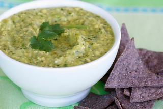 roasted tomatillo guacamole DSC_0030 | by Food Blogga