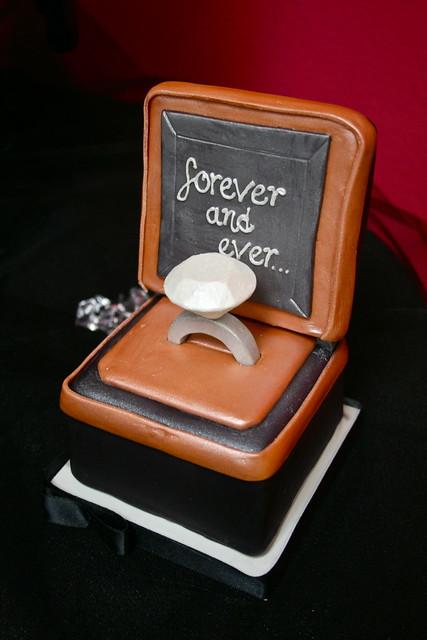 Engagement cakelet