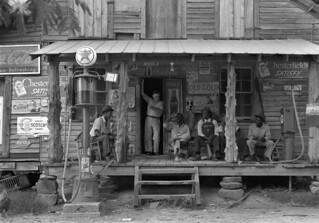 Dorothea Lange: Country store on dirt road, Gordonton, North Carolina, 1939