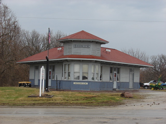 Milwaukee Road depot-Hedrick,IA
