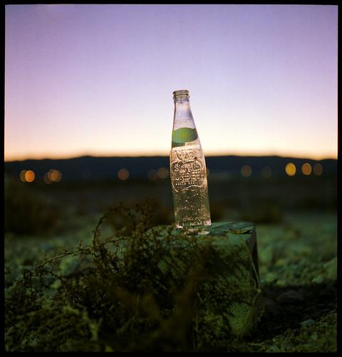 urban 120 6x6 tlr film rolleiflex mediumformat lights bottle lasvegas bokeh soda twinlensreflex kodakportra800 rolleiflexautomat sidralmundet autaut canoscan8800f xenar75mm35