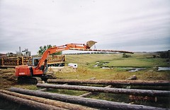 How to build a log home....                     (19 photo's)   by Loco Steve