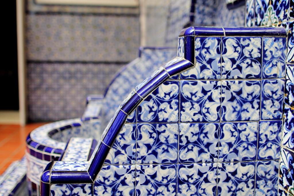 Mexican home decor - talavera tiles for a fountain