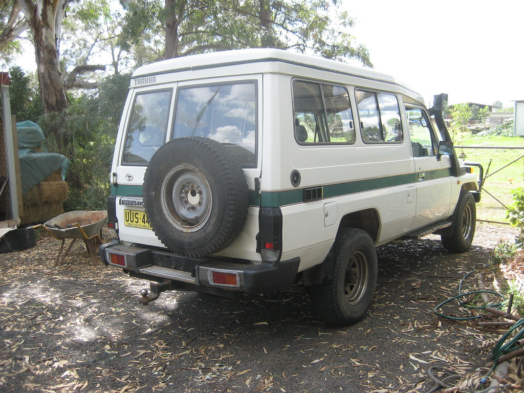Our 75 Series Toyota Landcruiser | Dual-fuel tank hatches vi… | Flickr