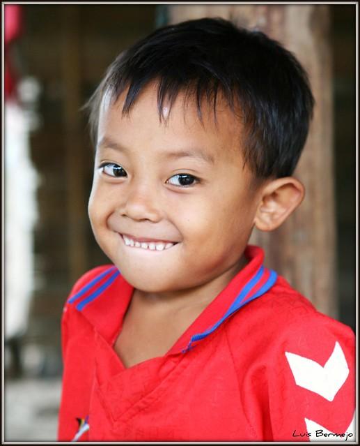 Niño de la etnia Lahu - Tailandia