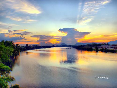 sunset sky cloud sarawak breathtaking kuching sungai satok malaysiariver sungaisarawak breathtakinggoldaward breathtakinghalloffame sgsarawak mygearandmepremium mygearandmebronze mygearandmesilver