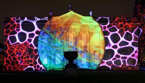 Proyeccion laser de nuestras imagenes en la celebracion 800th de Cambridge | by Fernan Federici