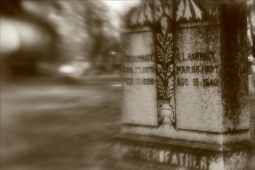 grave lensbaby muse canoneos50d maxdalecemetery