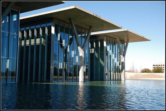 Modern Art Museum, Fort Worth, Texas, by Tadao Ando (安藤忠雄)