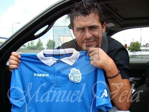 DSC03479 Playera de concentración marca KAPPA que el equipo Puebla FC usara en el torneo Apertura 2010 por LAE Manuel Vela