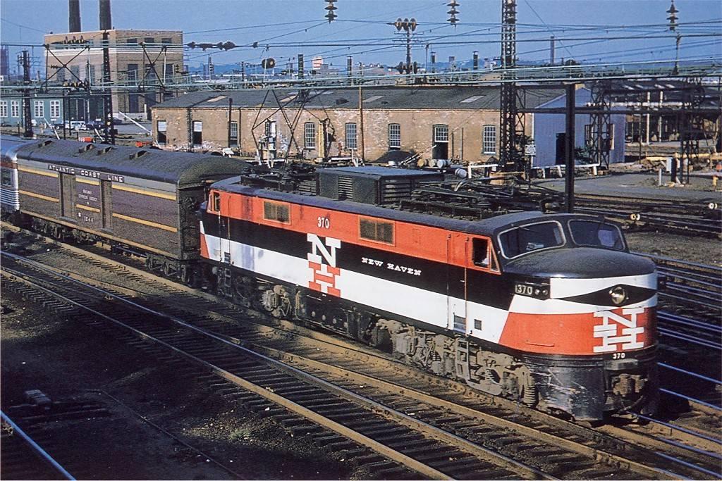 Penn Central EP-5 #4976   Abandoned train, Railroad photos