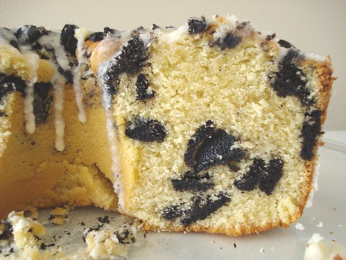 Black and White Cookie Ripple Coffee Cake | by Yummies 4 Tummies