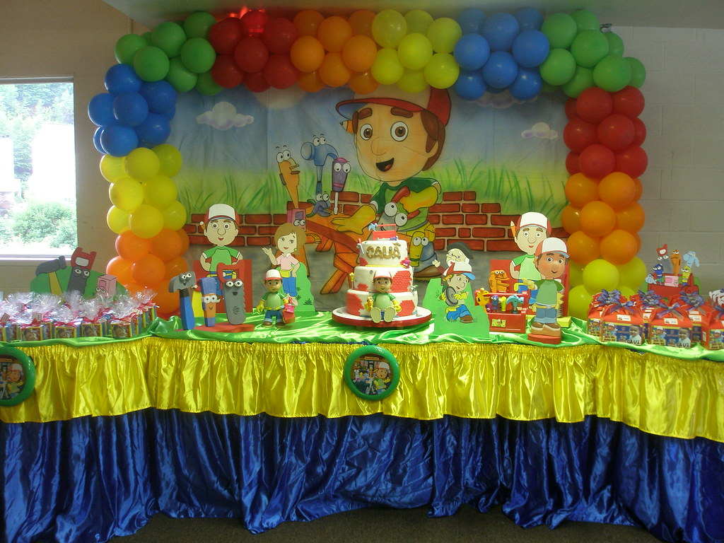 Handy Manny party decoration