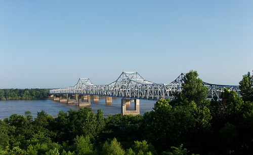 vicksburg bridge over the mississippi morning | by ukdamian
