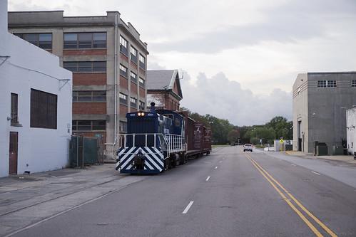 elchlok theindustrialrailfan henrydell railway railroad train spur streetrunning industrialswitching industry industrial sw1001 palmettorailways portroyalrailroad