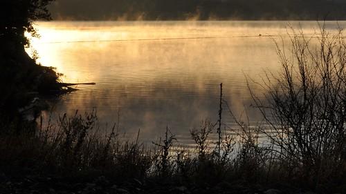 morning lake water sunrise river nationalpark columbia roosevelt steam reservoir columbiariver grandcouleedam lakeroosevelt kettleriver buoyant platinumphoto