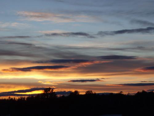 sunset sky orange clouds nh gonic
