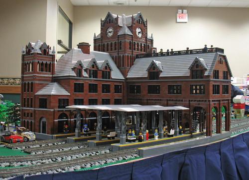 trainstation michlug uniondepot legotrains legobuildings legoarchitecture michiganlegotrainclub march142010 toledotrainandtoyshow