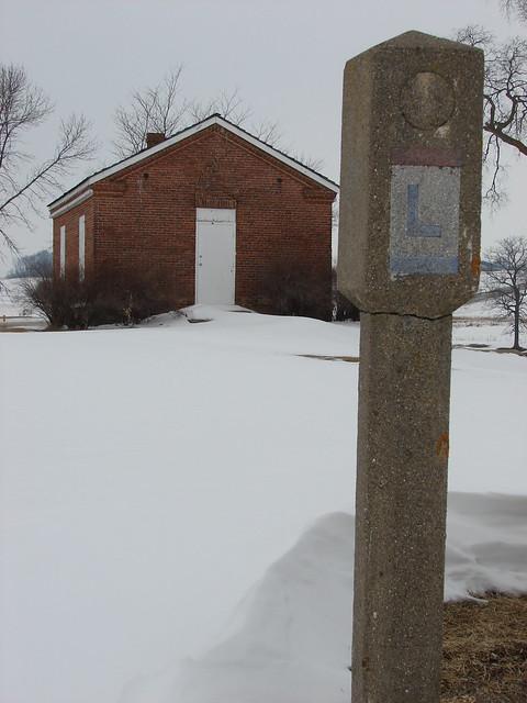 Lincoln Highway marker @ Abbe Creek School