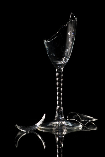 lighting light black reflection broken glass nikon texas champagne sharp 600 edge backdrop shattered sb edges d60 snoot 55200mmaddison