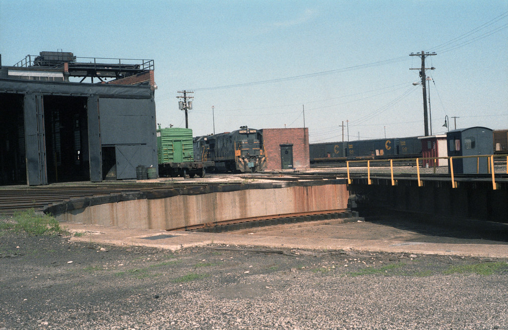 B&O roundhouse and turntable East St. Louis