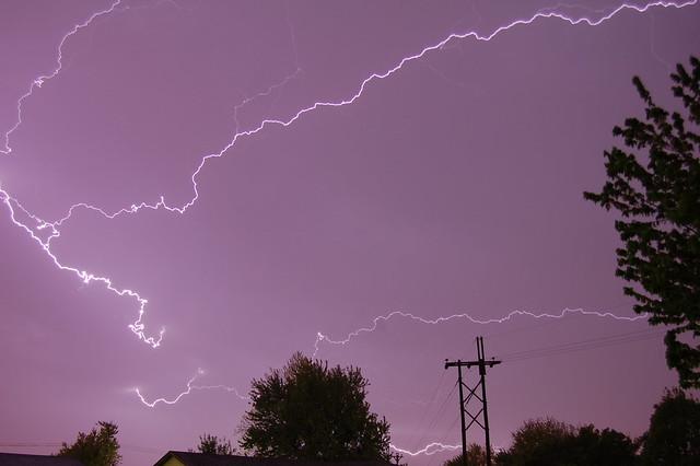 050610 - Krispy Krawlers!  My 1st Lightning of 2010