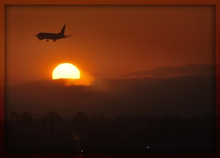 SouthWest Boeing 737 arrival at sunset (LAX)