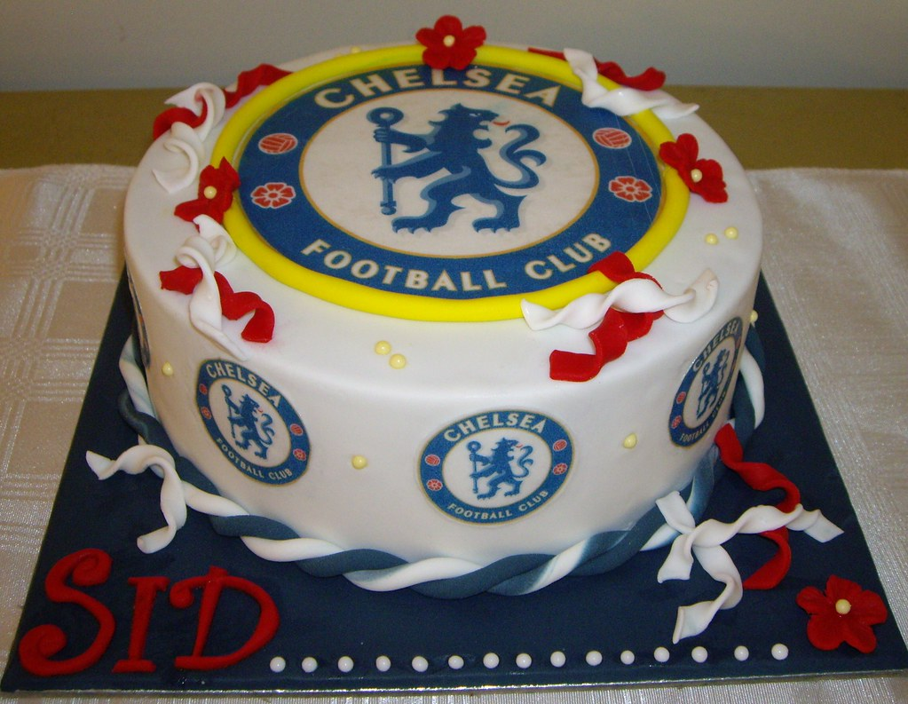 Fabulous Chelsea Football Cake This Is A Birthday Cake For A Very D Flickr Personalised Birthday Cards Veneteletsinfo