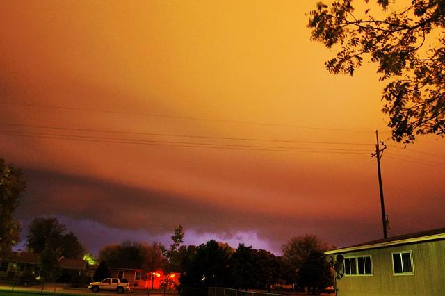 102210 - Impressive Late Season Thunderstorm / Excellent Shelf