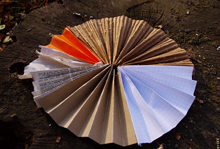 the paper pie chart - detail   by ixycreativity
