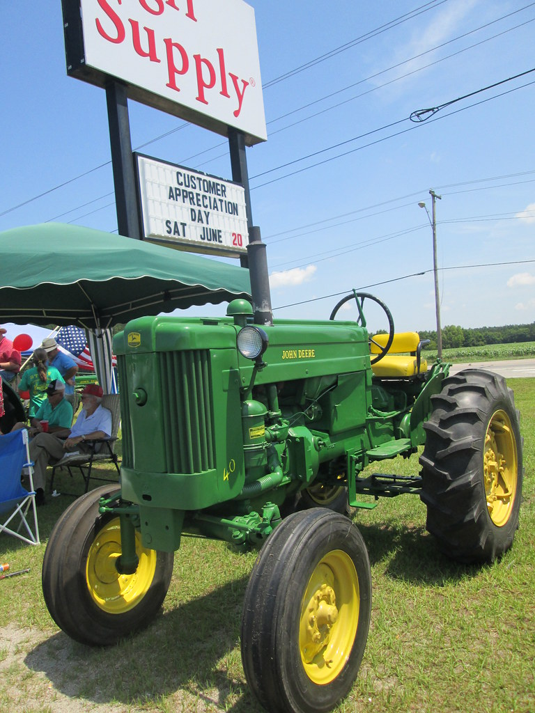 John Deere 40 By The Agri Supply Sign  | Mark | Flickr