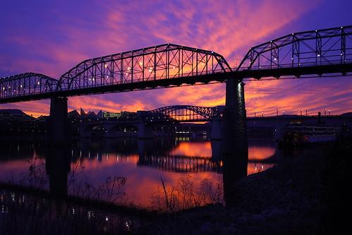 bridge sunset reflection chattanooga water canon river tn tennessee january bridges tennesseeriver colorphotoaward
