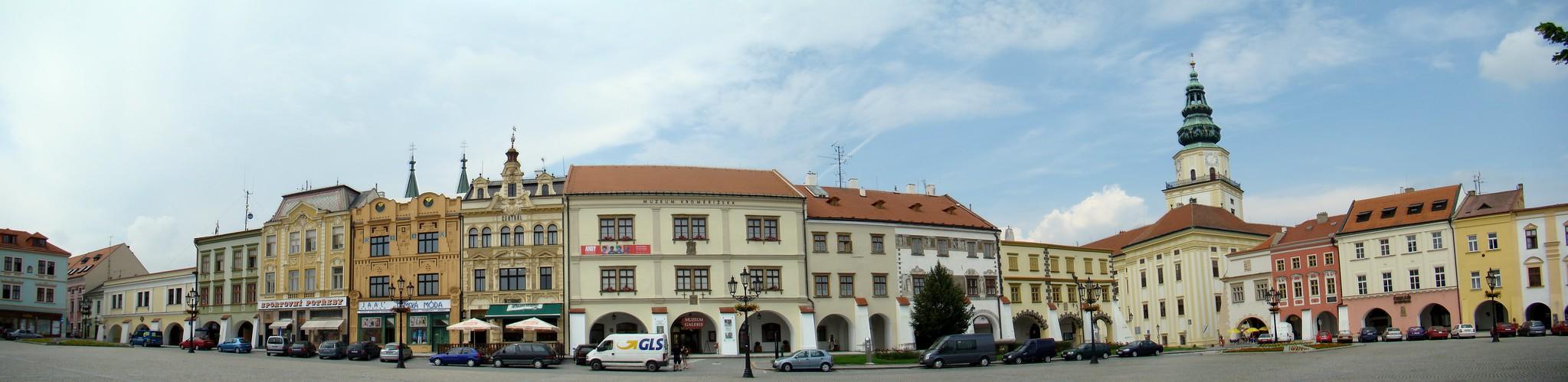 panoramica Plaza mayor Kromeriz Chequia